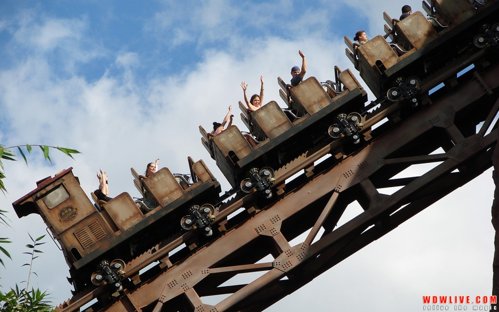 expedition-everest-train-12